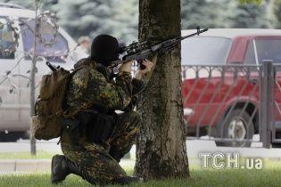У Слов'янську бойовики з території церкви обстріляли блокпости силовиків: є жертви