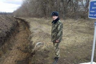 На Сумщине начали рыть почти 300-километровый ров на границе с Россией