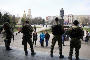 Попри двостороннє перемир'я терористи вночі вбили українського військового – Порошенко