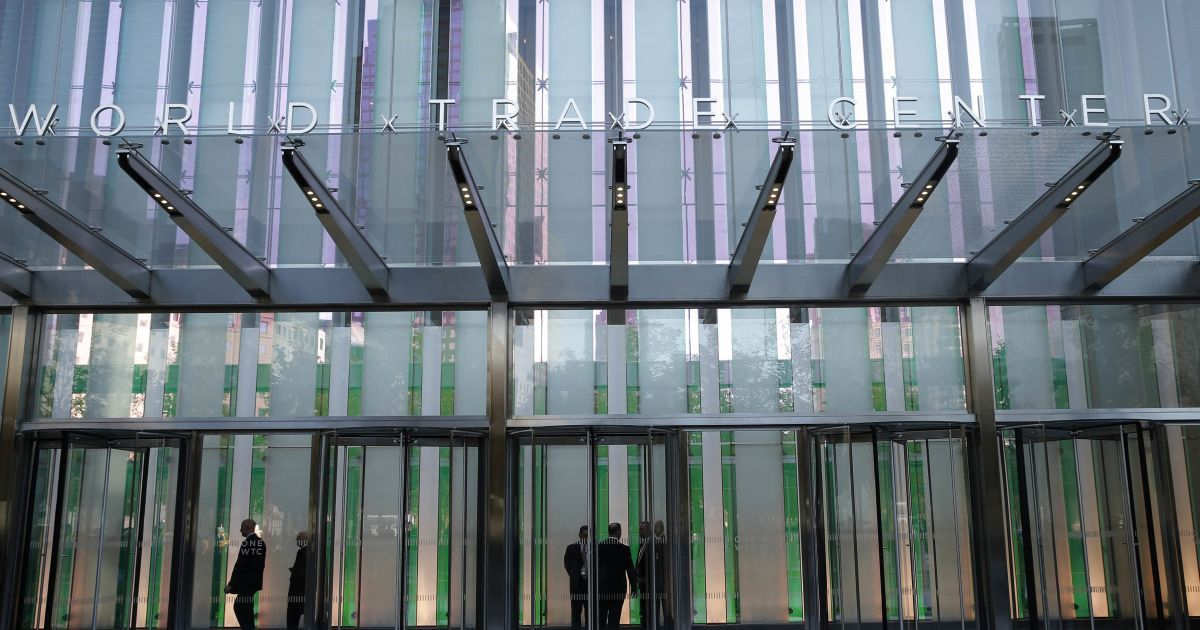 В Нью-Йорке заново открыли Всемирный торговый центр. @ Reuters