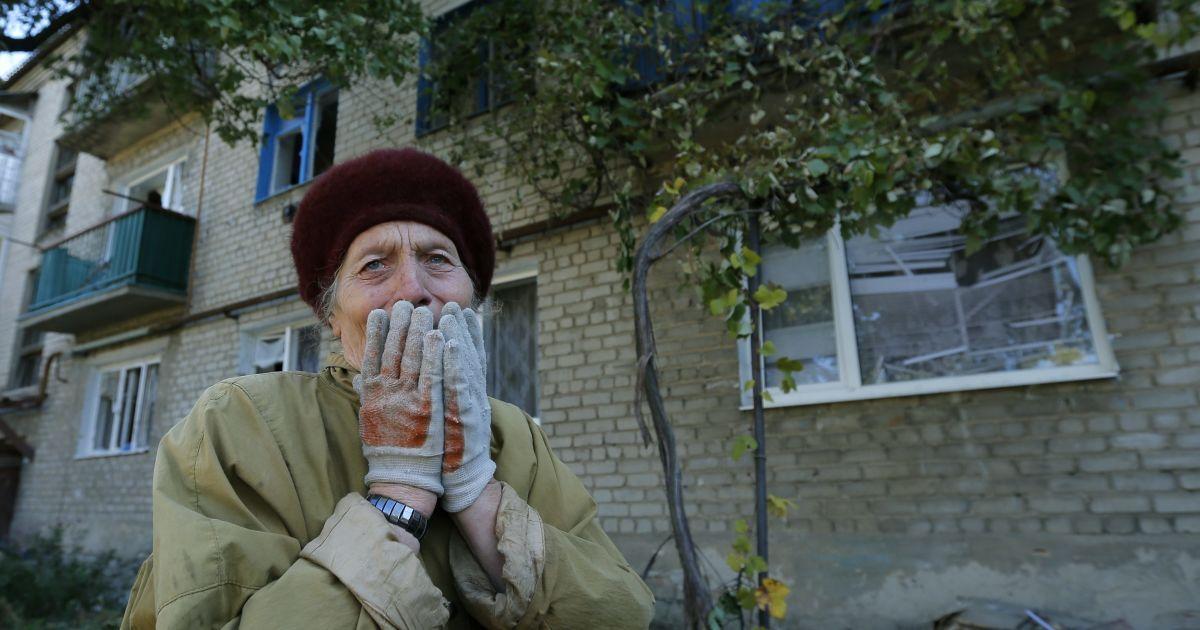 Боевики ночью обстреляли из артиллерии Красногоровку и ранили старушку