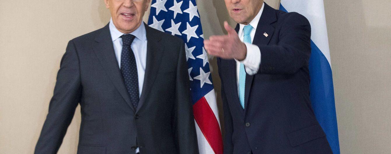Керри предупредил Лаврова о рисках при поддержке РФ Асада