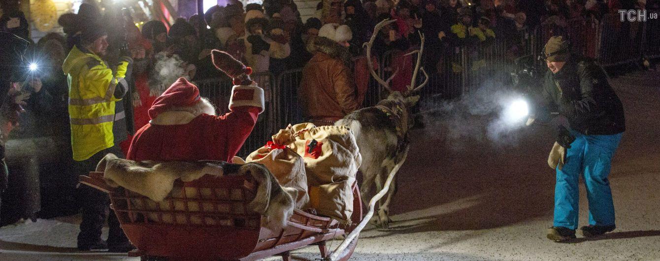 Санта-Клаус выехал из своей резиденции в Лапландии