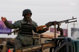 В Афганістані бойовики захопили урядові будівлі: майже 30 загиблих