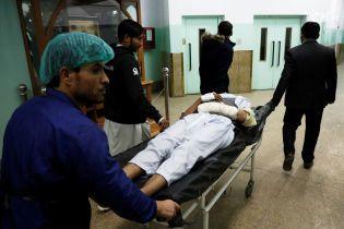 Під час атаки на урядову будівлю у Кабулі загинули вже 43 людини