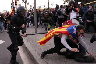 Барселона знову вибухнула протестами: десятки постраждалих та затриманих