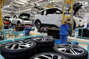 Боротьба на ринку електрокарів штовхає BMW та Daimler до союзу