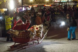 Санта-Клаус виїхав зі своєї резиденції у Лапландії