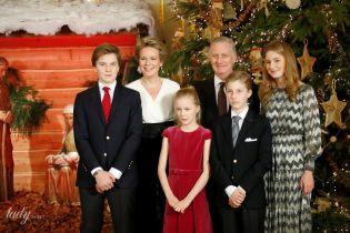 Різдвяна ідилія: бельгійська королівська сім'я на тлі ялинки у своєму палаці