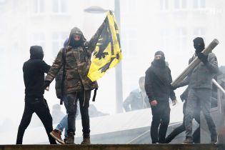 В Брюсселе акция против миграционного пакта ООН переросла в масштабные столкновения с полицией