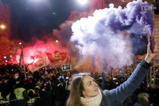 В Венгрии уже четвертый день продолжаются массовые антиправительственные протесты