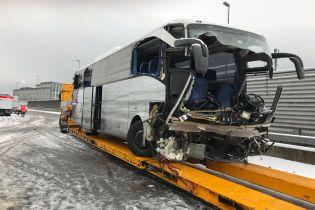 Жахлива аварія автобуса у Швейцарії: є загиблий та десятки поранених
