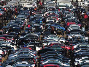 """Украинский рынок подержанных авто """"взорвался"""" в ноябре. Стали известны лидеры"""