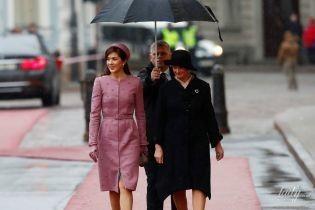 Затмила первую леди Латвии: кронпринцесса Мэри прилетела в Ригу