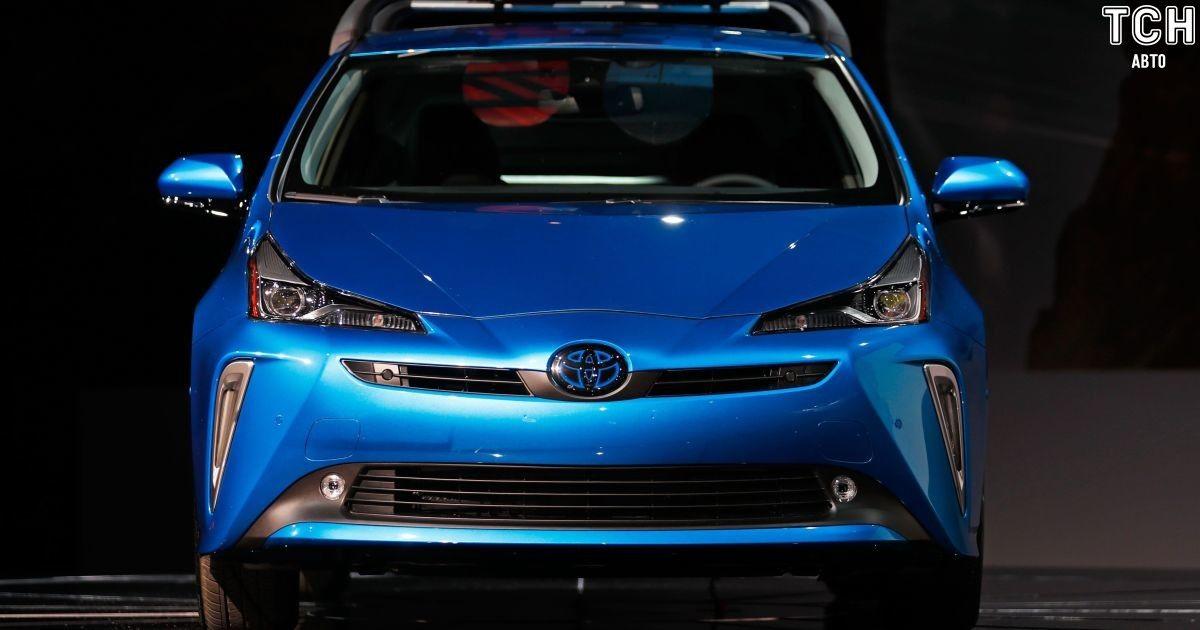 Автосалон в Лос-Анджелесе 2018: Toyota представила полноприводный Prius