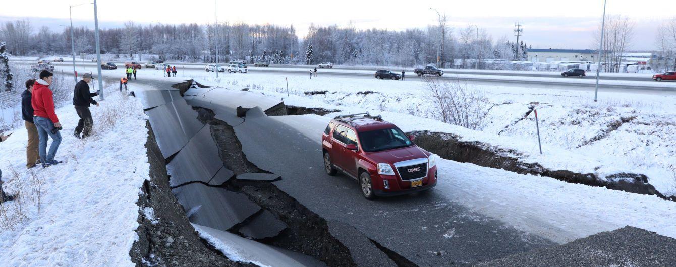 На Аляске после мощного землетрясения объявили чрезвычайное положение и создали центр реагирования