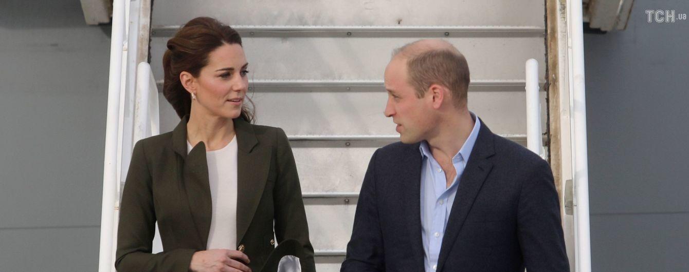Кейт Миддлтон в брюках, как у Меган, вместе с принцем Уильямом прибыли на Кипр