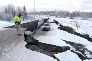 Аляску поразило мощное землетрясение магнитудой 7,0: пользователи соцсетей выкладывают фото и видео