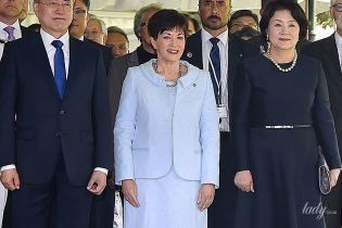 Генерал-губернатор Новой Зеландии продемонстрировала нежный образ в небесно-голубом костюме