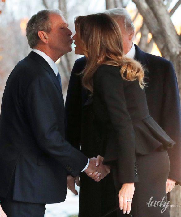 Мелания Трамп и Джордж Буш-младший