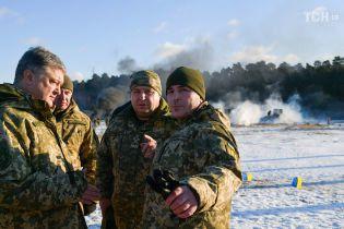 Вокруг Украины сейчас собрано 80 тысяч российских солдат – Порошенко
