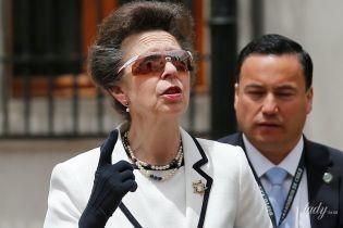 Хороша в белом: 68-летняя принцесса Анна в элегантном наряде встретилась с президентом Чили