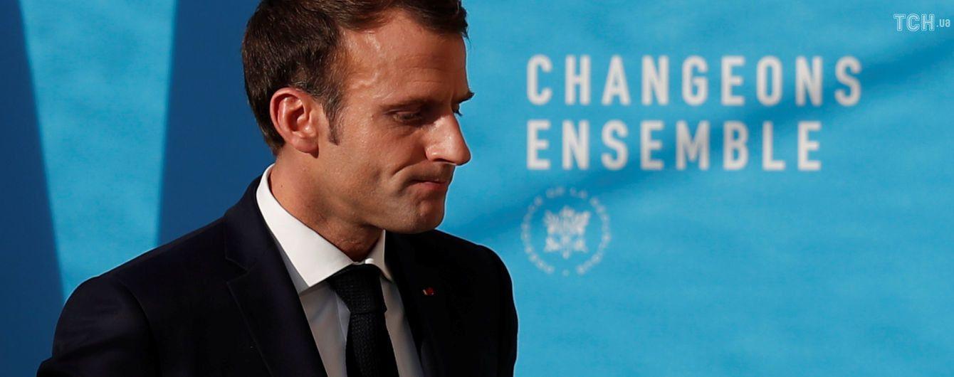 Макрон планирует обратиться к французам из-за масштабных протестов