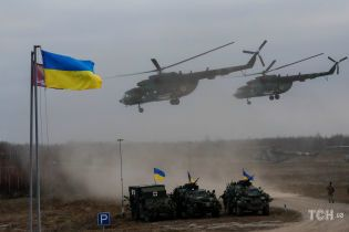 Можливе введення воєнного стану в Україні та ЗСУ і СБУ у бойовій готовності. П'ять новин, які ви могли проспати