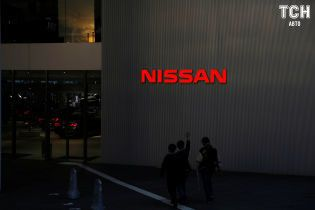 Главу концерна Nissan-Renault лишили полномочий из-за скандала