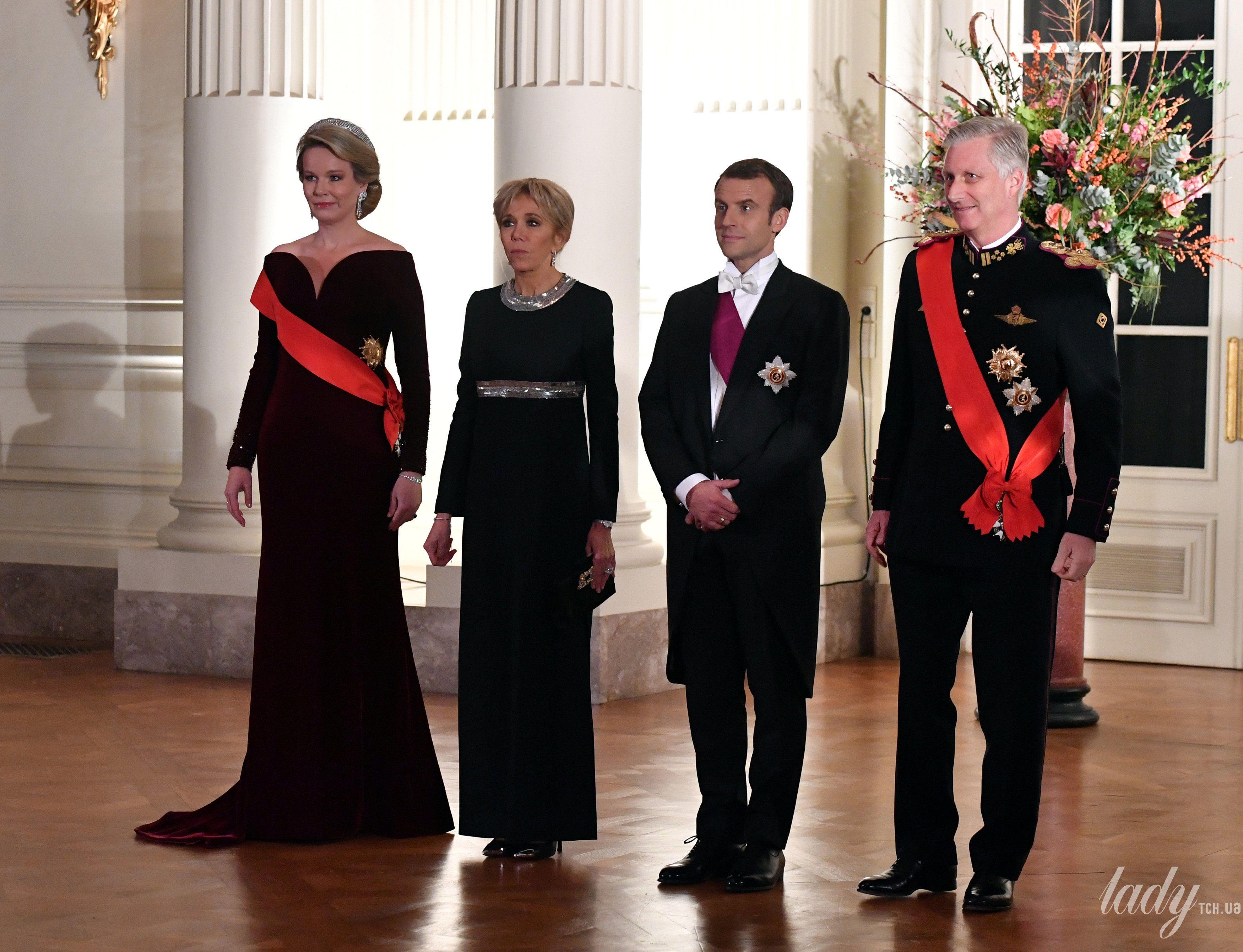 Королева Матильда и король Филипп, президент Эммануэль Макрон и Брижит Макрон во время торжественного приема в Королевском дворце в Брюсселе_5
