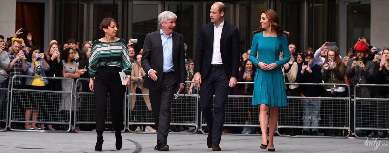 В красивом платье любимого бренда: герцогиня Кембриджская Кейт сходила на BBC