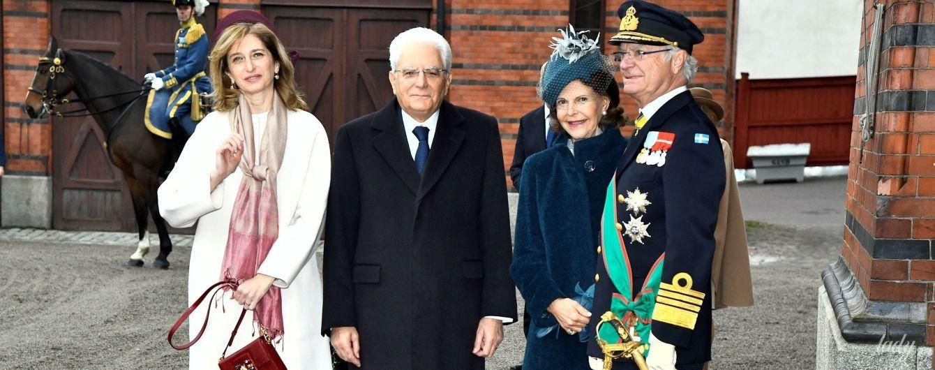 Елегантна королева Сільвія зустрічала першу леді Італії на прийомі в палаці