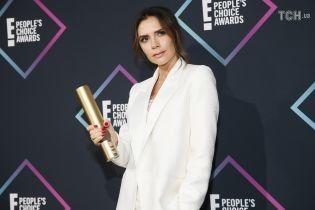 People's Choice Awards-2018: Бекхем у туфлях не за розміром та Кардашян у напівпрозорій сукні