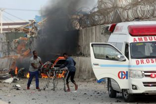 У Сомалі терористи підірвали чотири автомобілі, десятки загиблих