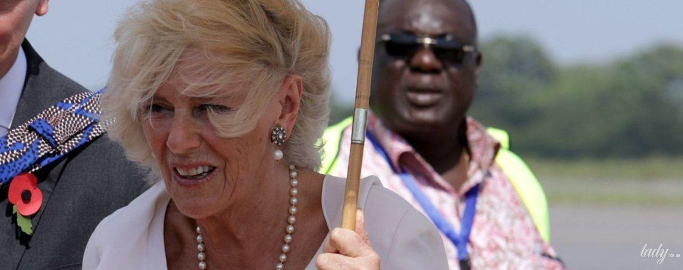 В гарному вбранні та з розпатланою зачіскою: герцогиня Корнуольська приїхала до Гани