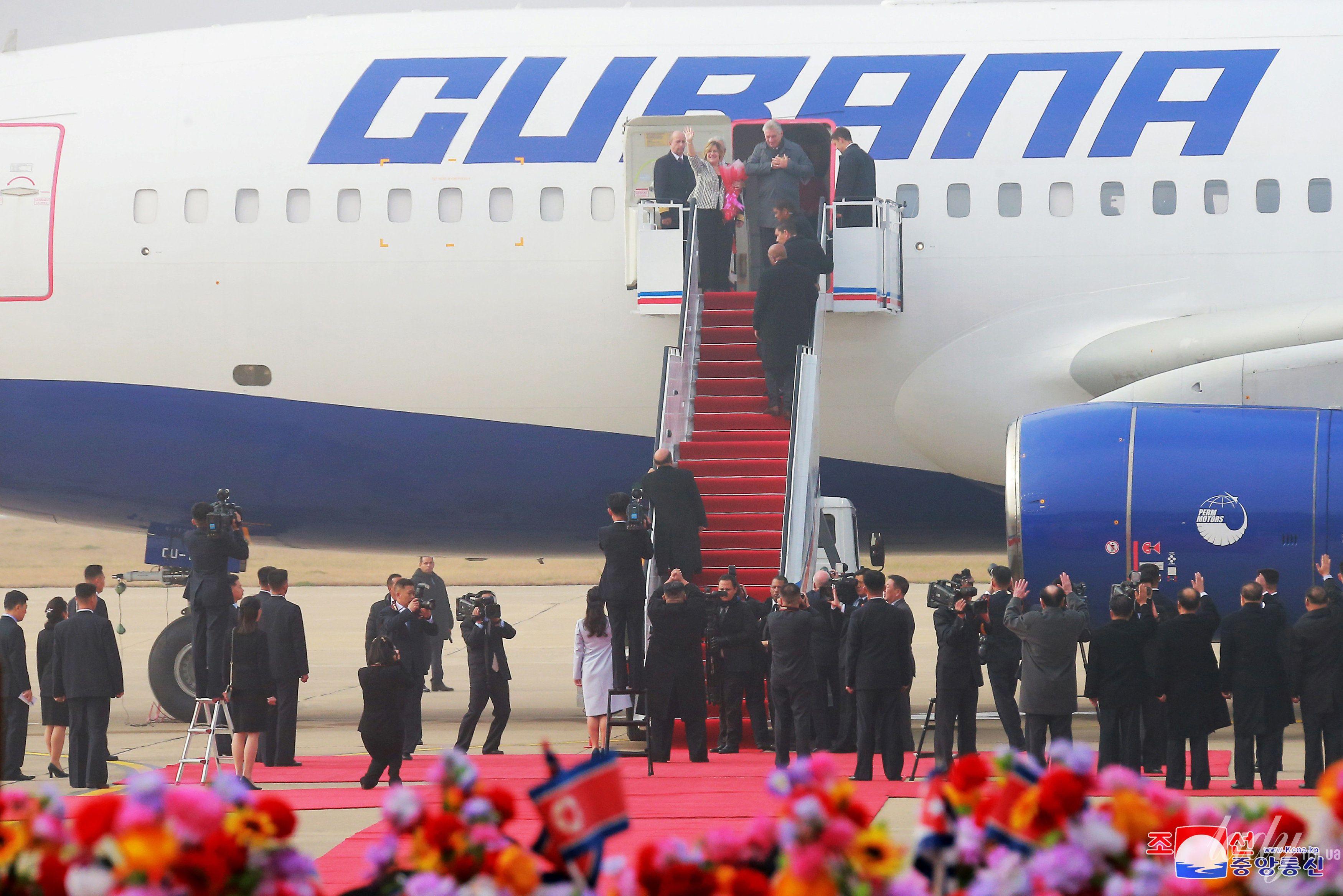 Президент Кубы с женой и лидер КНДР с супругой_3