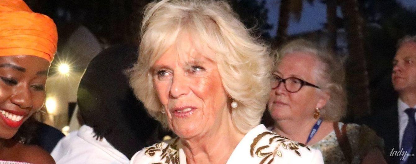 З королевою такого не трапляється: вітер знову зіпсував зачіску герцогині Корнуольській Каміллі