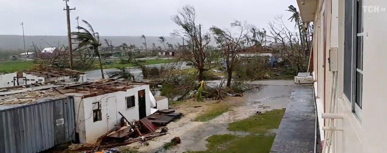 Унаслідок потужного тайфуну на Філіппінах загинуло шестеро людей