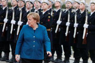 В Германии назвали причину поломки самолета Меркель