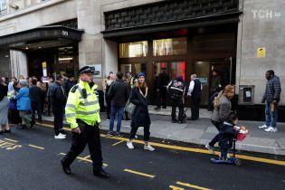 В Лондоне неизвестный с ножом напал на офис Sony – двое человек ранены
