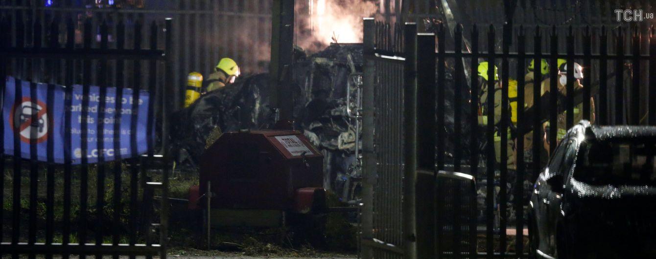 В Лестере возле стадиона разбился вертолет владельца футбольного клуба