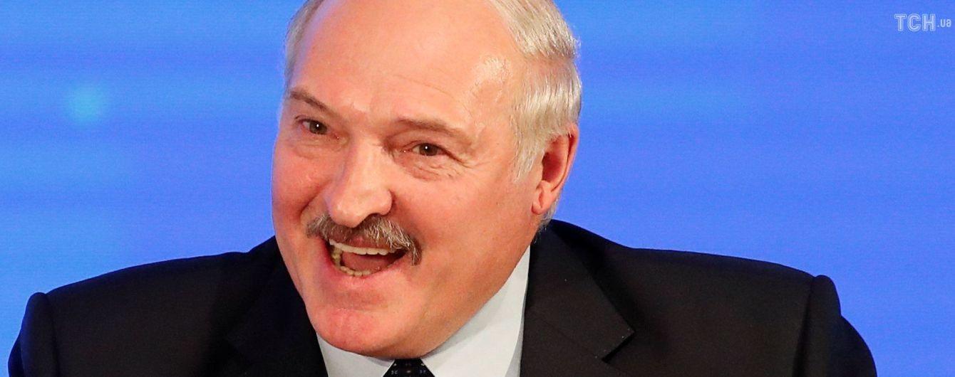 Лукашенко подарил Путину на Новый год мешки элитной картошки