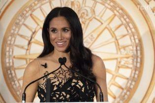 Беременная Меган в роскошном платье с птицами вместе с Гарри посетили церемонию вручения премий в Сиднее