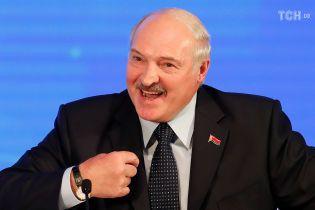 Лукашенко подарував Путіну на Новий рік мішки елітної картоплі