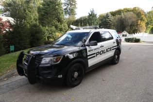 В США автомобиль влетел в церковь, шесть человек пострадали