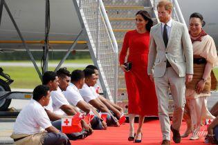 Случается даже с принцессами: герцогиня Сассекская оконфузилась на красной дорожке