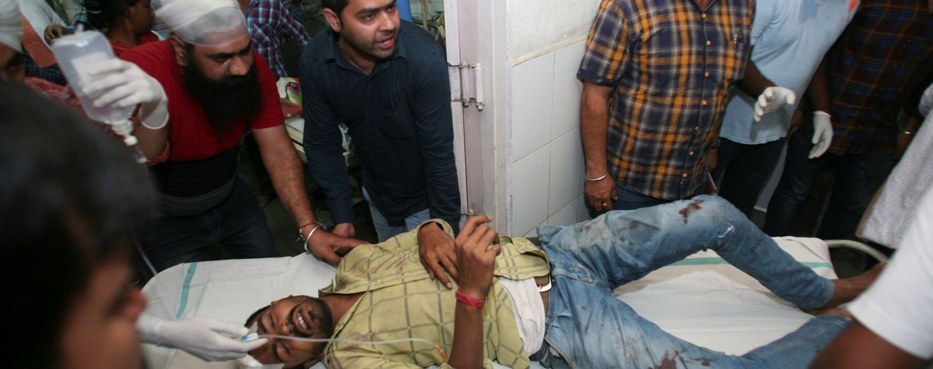 В Индии возросло число жертв трагедии на железнодорожной колеи