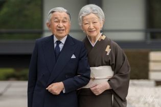 В красивом традиционном наряде: японская императрица Митико отпраздновала свой 84-й день рождения