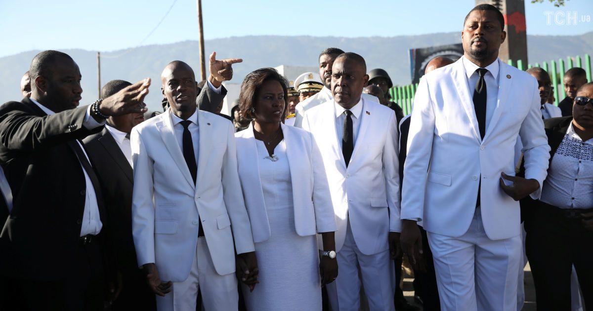 Президент Гаити Жовенель Моиз (второй слева) @ Reuters