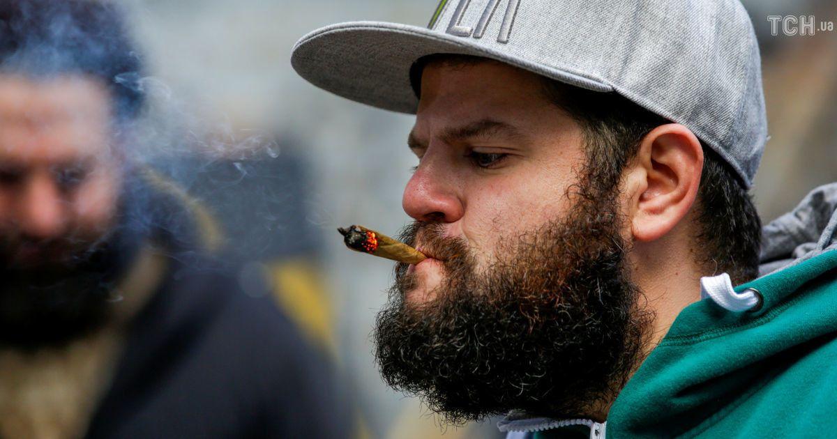 Конопляний рай: в яких країнах можна легально вживати марихуану. Інфографіка